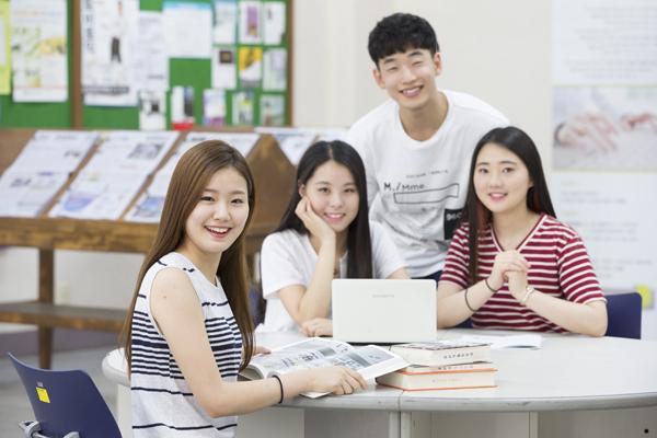 Hiện thực giấc mơ gặp thần tượng k-pop bằng con đường du học